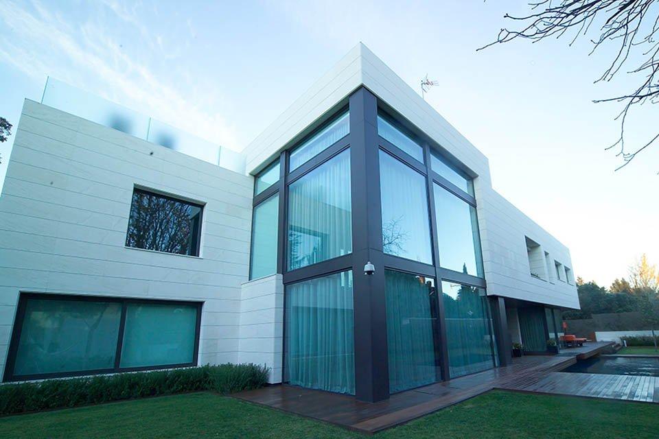 Casa con doble acristalamiento